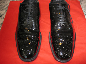 Mens Gucci leather lace up dress shoes