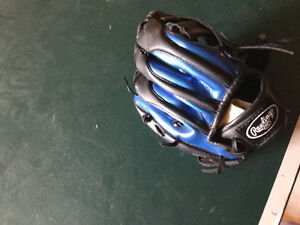 Baseball Glove with Vernon Wells Autograph Model