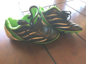 Soccer cleats - size 11T