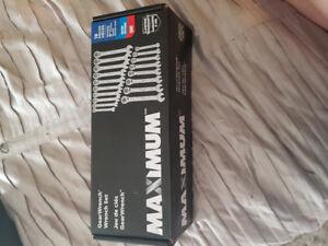 maximum gear wrench set new in box