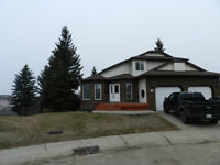 EXCLUSIVE WALK-OUT SHERWOOD PARK LISTING