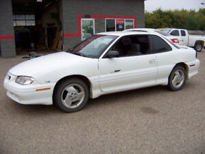 1997 Pontiac Grand Am GT Coupe (2 door)