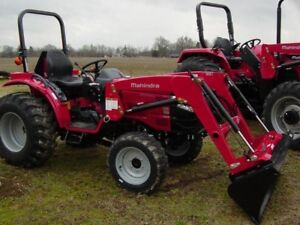 2016 Mahindra 1526 4WD HST with Loader