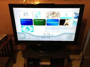 """LG 47"""" LCD TV 1080p with remote - Very Cheap"""