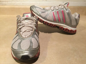 Women's Adidas Running Shoes Size 8 London Ontario image 1