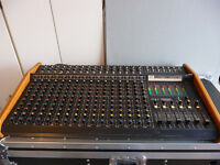 console pour band peavey md series stage system Longueuil / South Shore Greater Montréal Preview