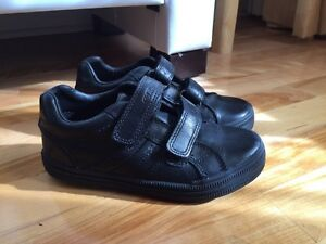 LIKE NEW! Geox Respira boys shoes West Island Greater Montréal image 4