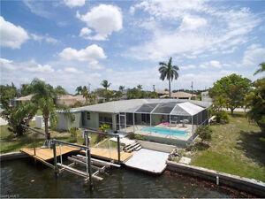 **BEAUTIFUL WATERFRONT POOL HOME** - MATLACHA, FL (USA)