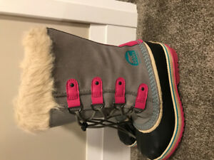 Sorel Winter Boots- Girls size 4