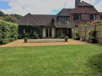 2 bedroom house in Knightons Lane, Dunsfold, Surrey, GU8