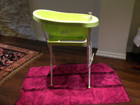 Bathtub with stand and cocoon seat