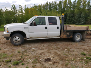 1 ton deck truck complete with 5th wheele pintle hitch and ball