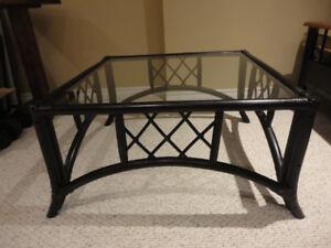 Coffee table - black rattan - glass top