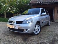 Renault Clio 1.5 DCi extreme. Full MOT, just serviced, very economical !