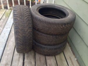 Set Of (4) 195 65 15 Used Winter Tires 35-40% Tread Left