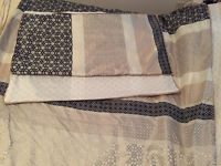 King Duvet cover and pillow cases GEO JACQUARD from Simons