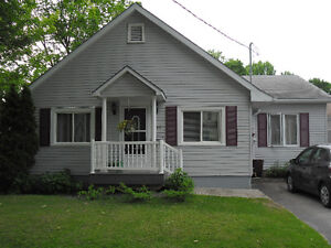 1 BEDROOM WITH PRIVATE LIVINGROOM-ORILLIA –MAY