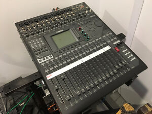 Yamaha 01V96i 16 Input Digital Mixing Console, stand and more