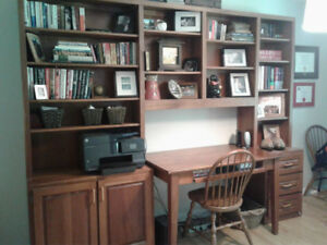 Wood Office Desk with Book Shelves
