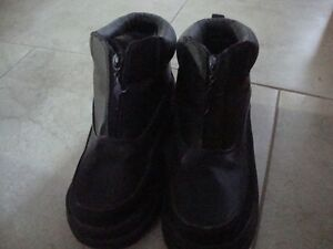 Crystal Young Ladies Winter Boots - Size 2
