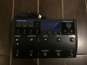TC-HELICON VOICE LIVE 2 floor based vocal processor