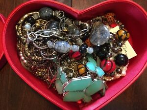 Mixed jewelry - lot price