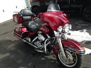 real clean and nice 2005 FLH Clasic full chrome