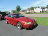 1998 Ford Mustang GT Coupe (2 door)