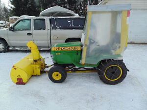 Tracteur hydrostatique 18 hp  2 cyl +souffleuse 2 phases 2500$