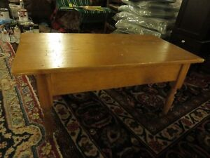 PINE SMALL COFFEE TABLE IN GREAT CONDITION. asking $45 or best o