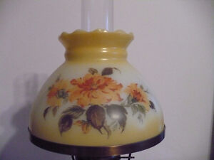 Beautiful Flowered table lamp Kingston Kingston Area image 2