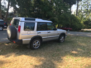 2002 Landrover Discovery and 2nd 2000 landrover disco for parts