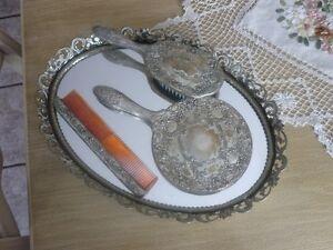 Ensemble de beauté vintage (brosse,peigne, miroir)