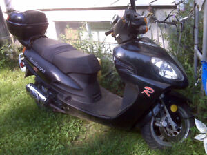 scooter 2places 4 temp  ne demarre pas $450.00