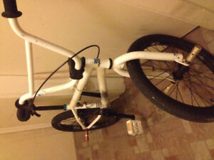 2013 Haro 100.1 BMX Bike- Front and Back Pegs, Great Condition