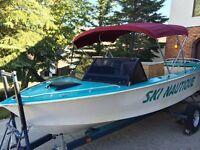 Fast ski boat