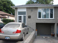 3 bedroom upper unit of raised bungalow in Barrie North End