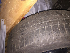 Michelin X-ice Xi3 205/60R16 on rims West Island Greater Montréal image 2