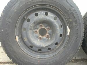 JEEP RIMS WITH NEAR NEW YOKOHAMA GEOLANDER WINTER TIRES