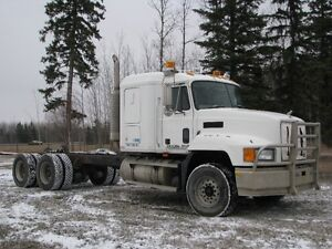 MACK CH 613 TANDEM AXLE CAB & CHASSIS