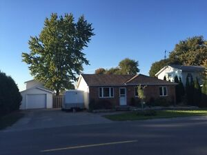 Country home close to major shopping  openhouse Oct 22nd  1-5pm