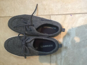 Boy's old navy sneakers - size 1