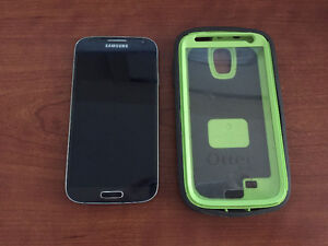 Samsung Galaxy S4 + Defender Otter Box Case - Excellent Conditio