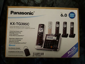 Panasonic (5 Portable Phones with Answering Machine) London Ontario image 2