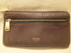 Ladies Authentic Fossil Small Warm Brown Leather Zippered Wallet