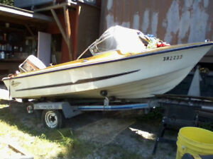 Larson power boat 16 ft,70 horse Johnson & trailer project