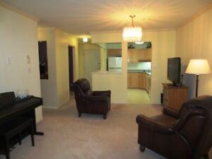 Abbotsford Condo with 2 bed/den/2bath...top floor unit!!!