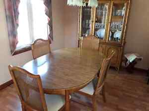 Dining room table and China cabinet  Windsor Region Ontario image 1