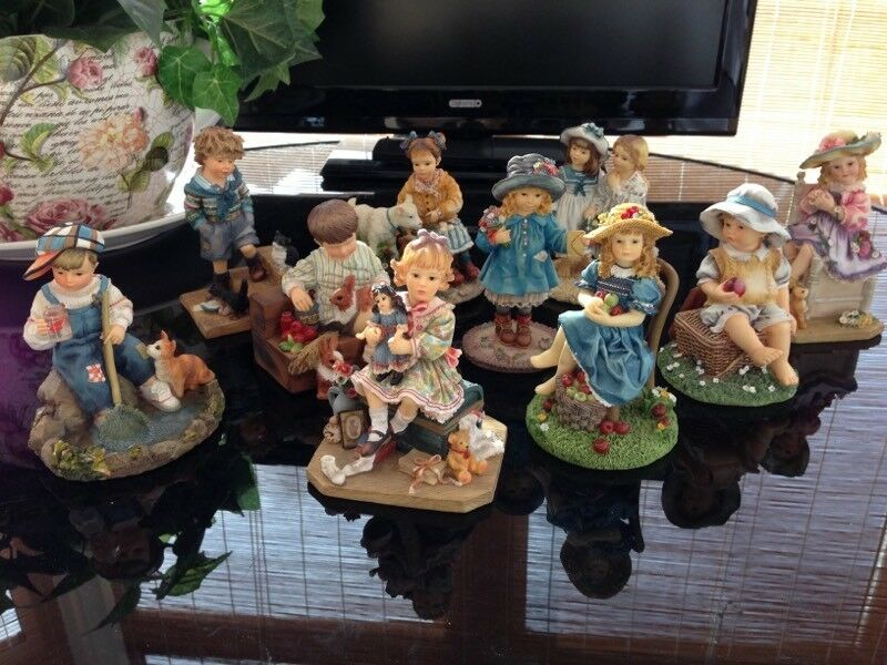 Set x 10 Leonardo Collection Figures of Children by Christine Haworth, ornaments excellent condition