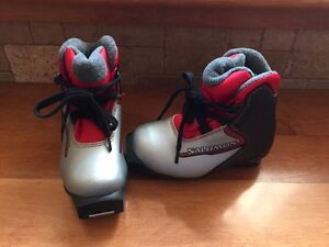 X-country ski boots size EUR 27